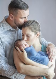 Newborn Family Photography by Leah Martin